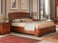 Кровать с резным изголовьем без изножья Palazzo Ducale Ciliegio