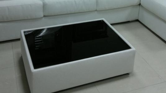 Столик со стеклом Matrix