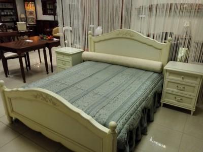Спальня Meridiani: кровать, 2 тумбы, комод с зеркалом